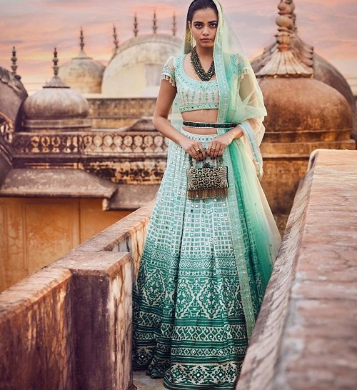 Perfect Lehengas for Reception: an Inspiration to Pick ...