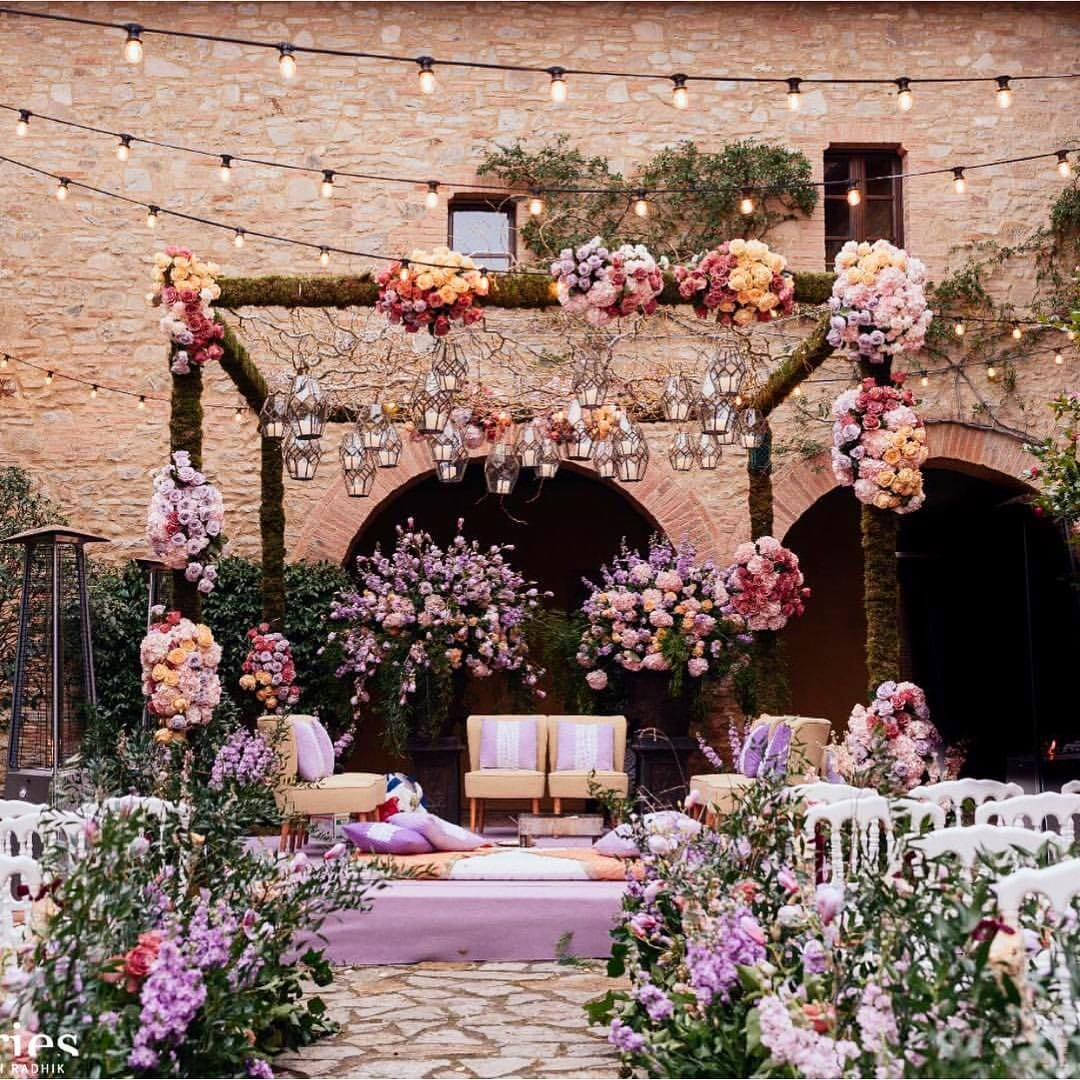 Enlighten Your Day with These Enthralling Mandap Décor Ideas for Destination Weddings 2021!