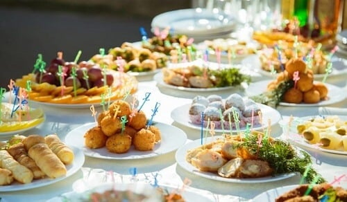 21 Summer Wedding Food Ideas For Summer For The Most De...