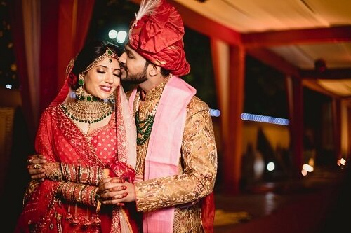 Hire AJ Photography as your Wedding Photographer in Rajkot and Get Some Stunning Wedding clicks