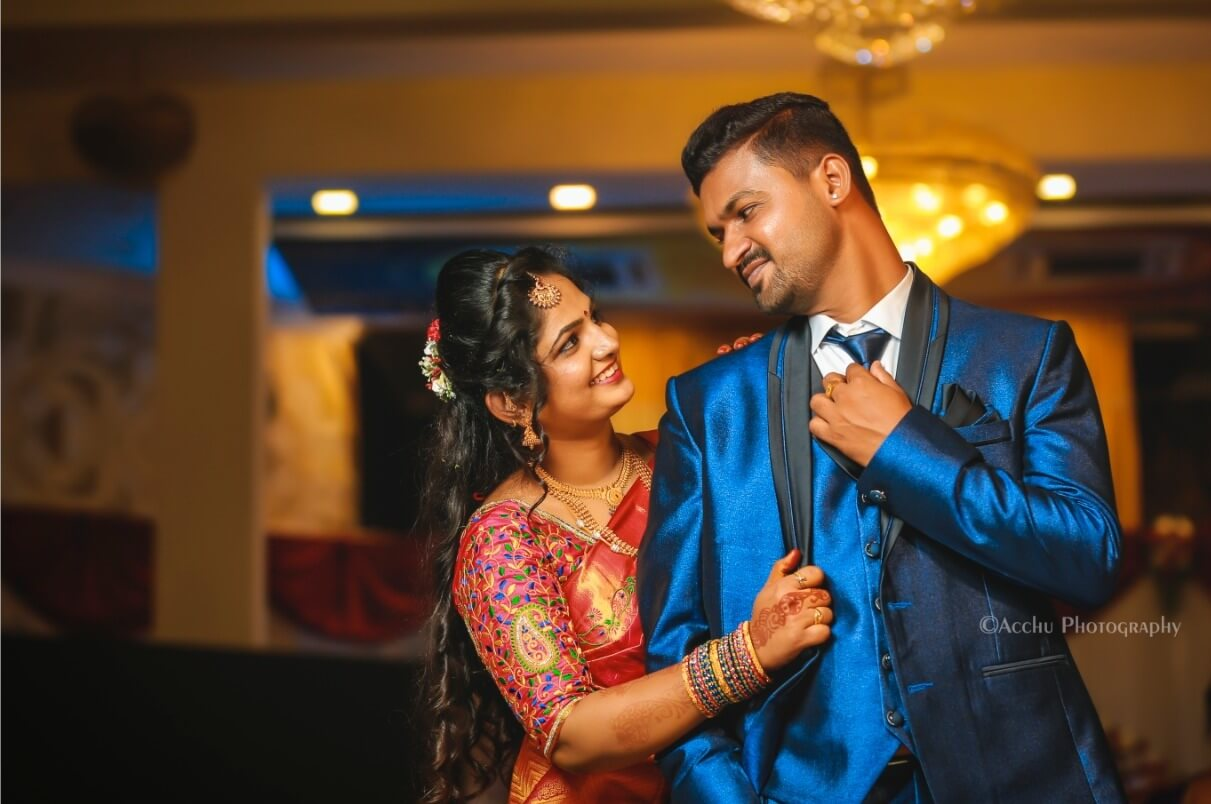 An Elegant South Indian Wedding With The Bride In Traditional Hues