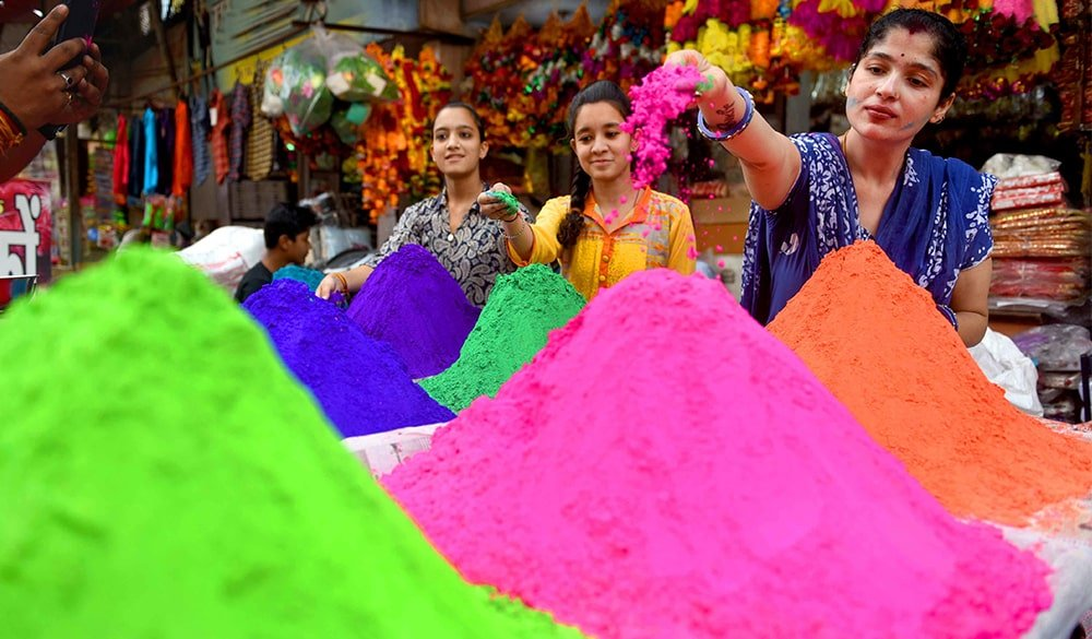Best Ways to Get Rid of Holi Colour from Hair
